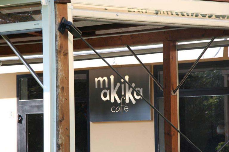 makika cafe giussano insegna